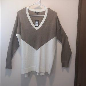 ⚡️NWT⚡️ Verve Ami V-neck Sweater